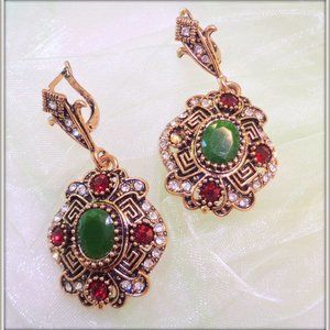 HAND CRAFTED VINTAGE DROP EARRING